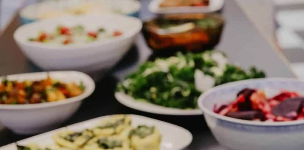Two Birds Deli offers delicious catering with many sandwich, salad, and bowl options!